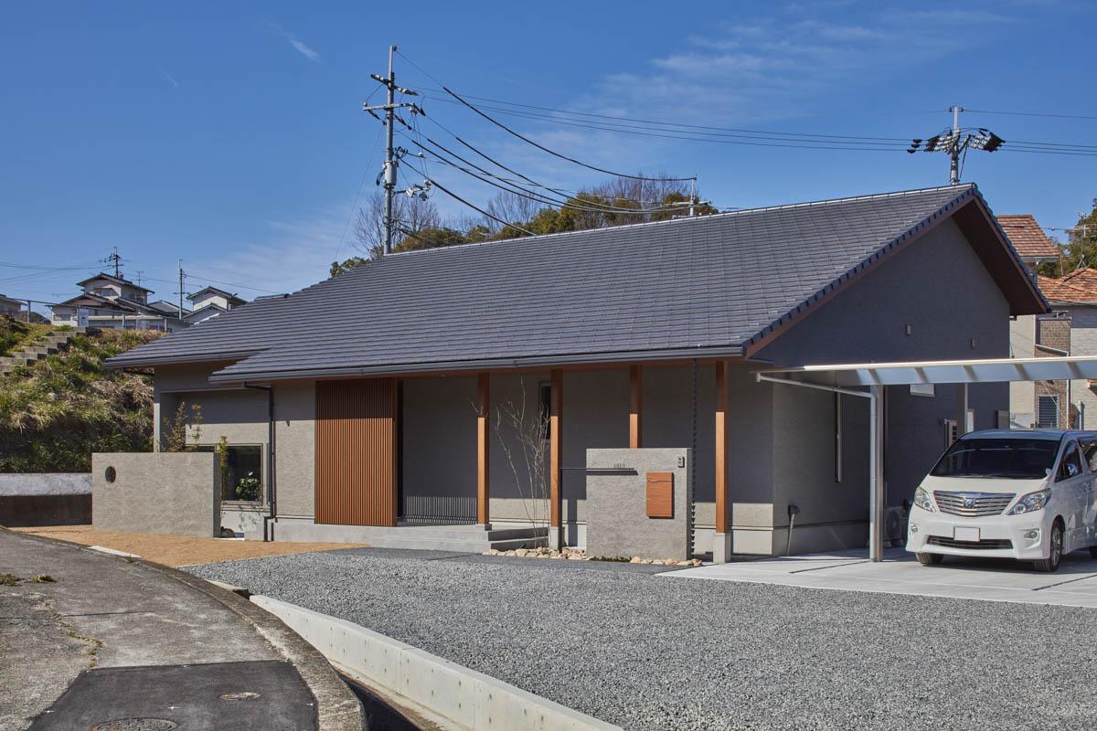 通り土間を取り込んだ平屋の家